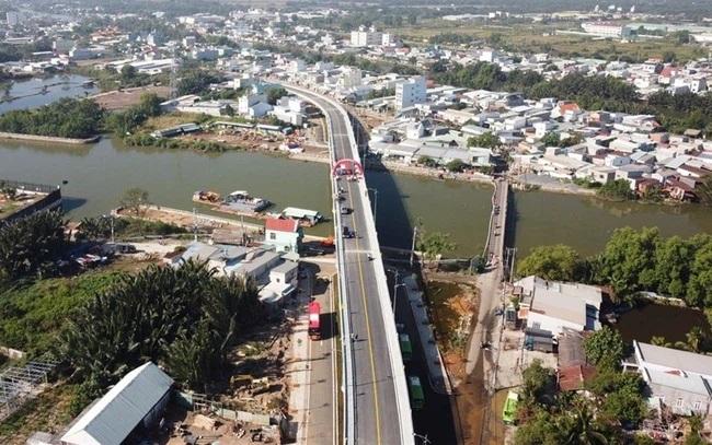 Tp.HCM xây dựng Đề án chuyển 5 huyện vùng ven lên quận